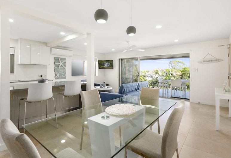 Breathtaking Views Across Noosa - Unit 1 Taralla 18 Edgar Bennett Avenue, Noosa Heads, Sala de estar