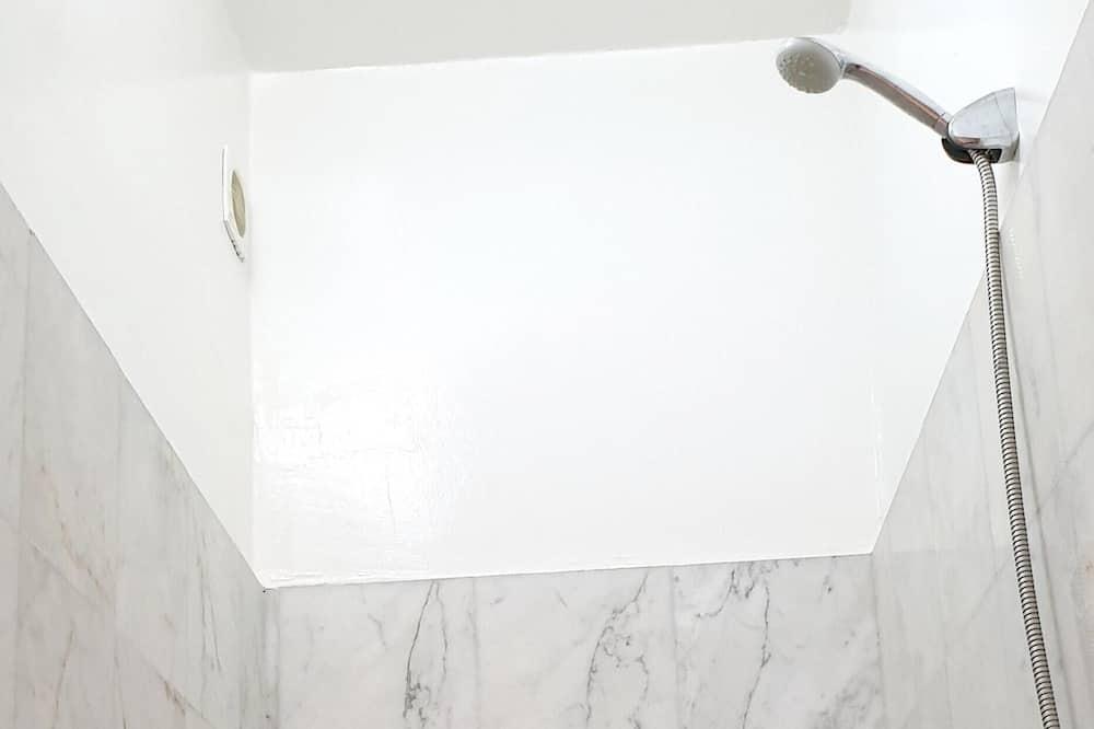 Apartment, City View - Bilik mandi