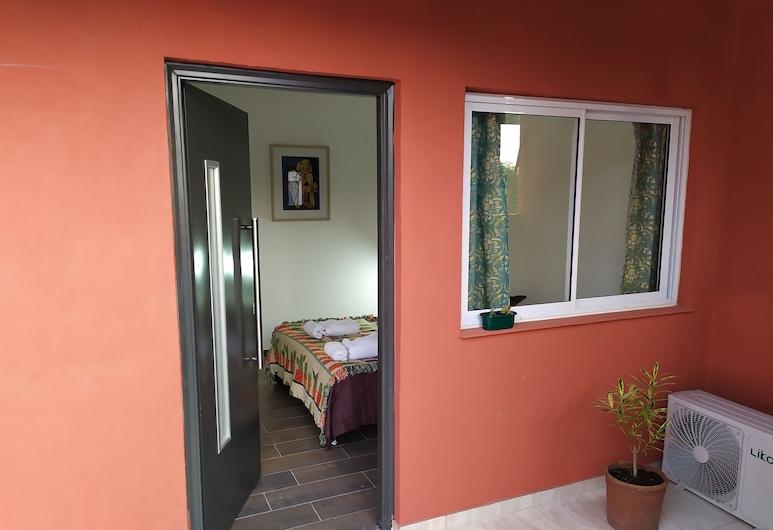 Double room with private bathroom, Córdoba, Room