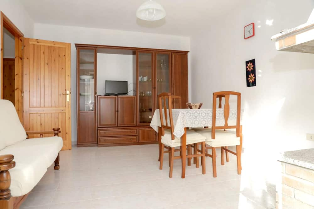 Apartment With 2 Bedrooms in Calasetta, With Balcony - 800 m From the Beach