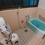 Casa Básica, Dormitório Misto - Casa de banho