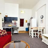 Apartment, 1 Queen Bed (Navratilova 1) - Living Room