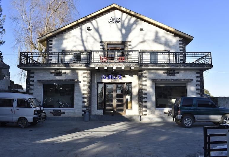 62 山丘豪華飯店, Khanspur