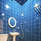 Quadruple Room (Kitty) - Bathroom
