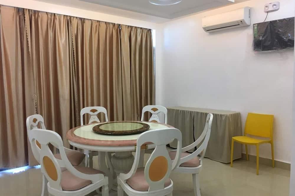 Superior tuba, 1 ülilai voodi - Einetamisala toas