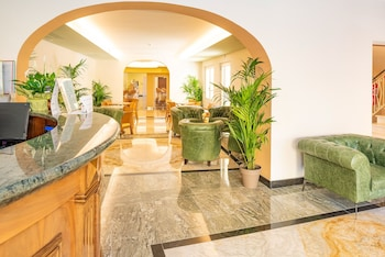Picture of Hotel Centrale in Garda