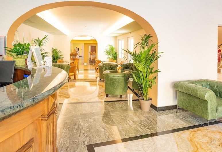 Hotel Centrale, Garda, Lobby