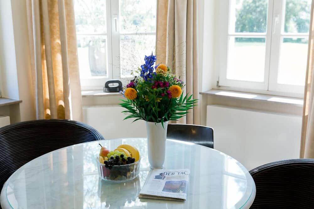 Apartment, Lake View (Gartenhaus) - In-Room Dining
