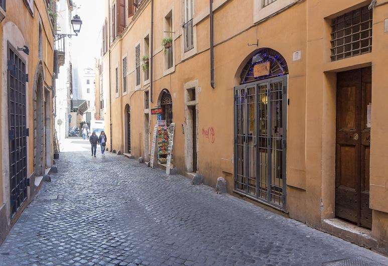 法勒格納米 - 羅馬出租屋飯店, 羅馬