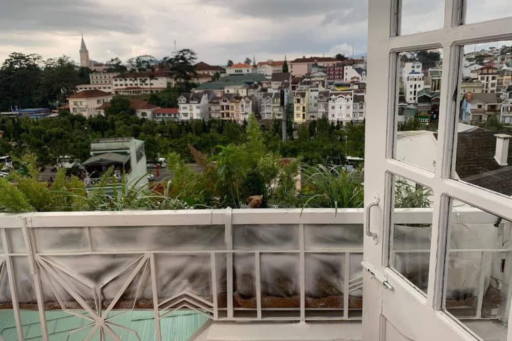 Pokój rodzinny, widok na miasto - Balkon