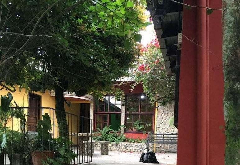 Hotel Oxib Peck, Coban, Terrace/Patio