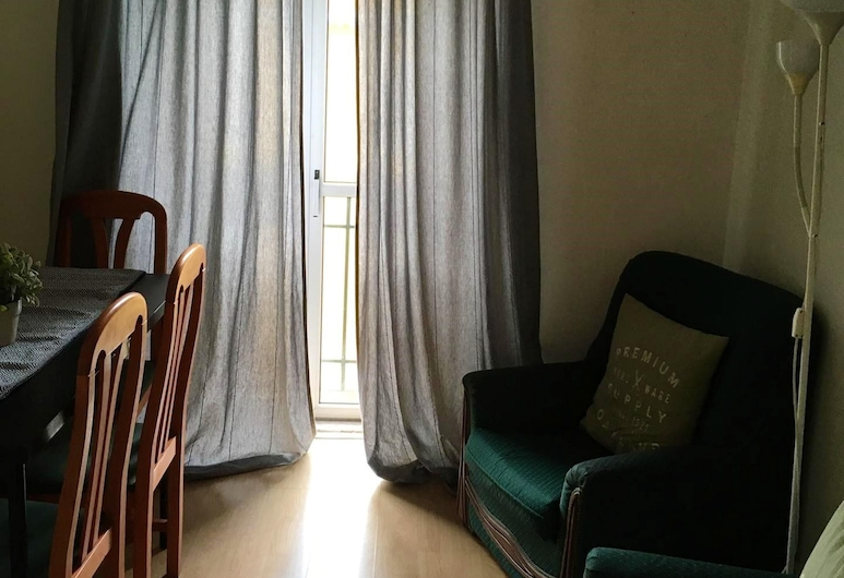 Apartment With 2 Bedrooms in Lisboa, With Furnished Balcony and Wifi, Lissabon, Olohuone