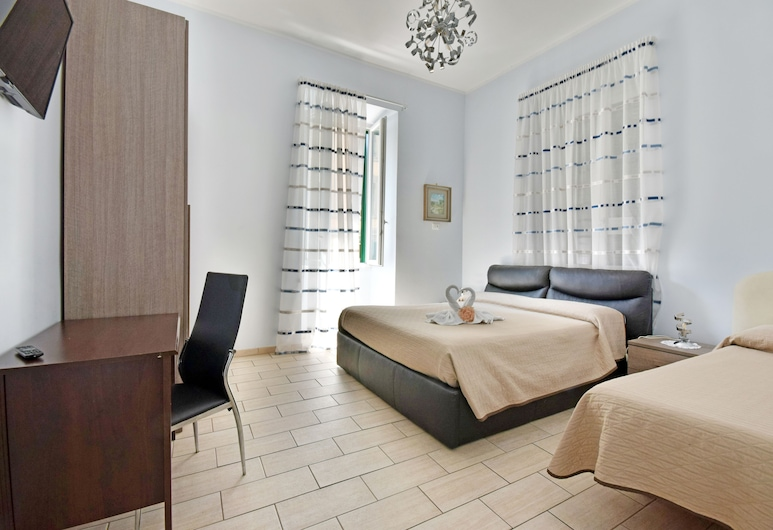 La Dimora Dei Sogni Al Vaticano, Rome, Quadruple Room (Zaffiro), Guest Room