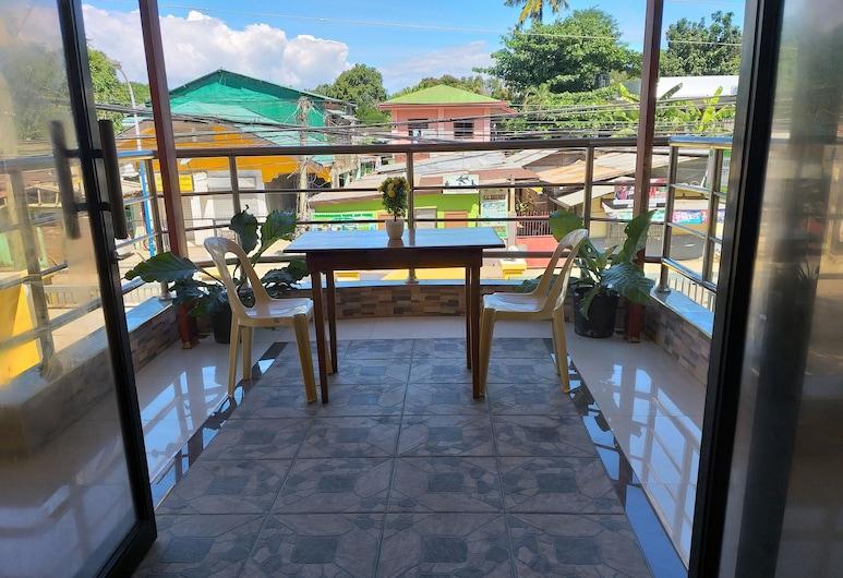 เอ็ดเนลส์ เพนชั่น เฮาส์, Puerto Princesa, สตูดิโอ, ลานระเบียง/นอกชาน