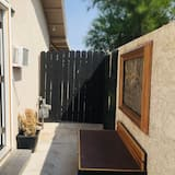 Private Room With Bathroom and Your own Entrance. Free Parking. Near Downtown LV