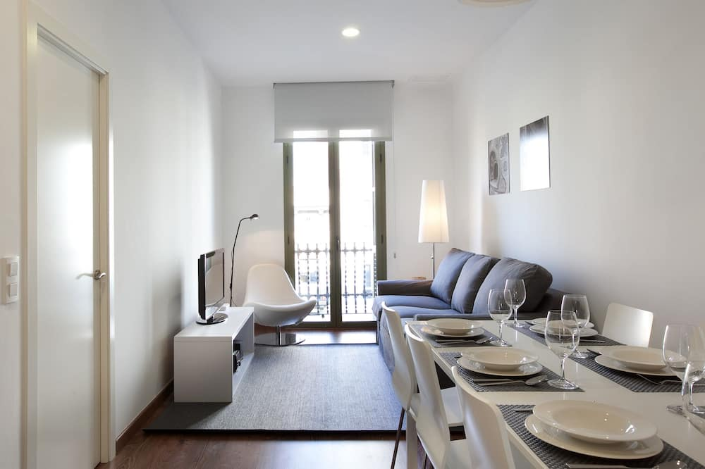 Apartment, 3 Bedrooms, Accessible, Non Smoking (2972 - AB Montjuic 3 bedrooms) - Living Area