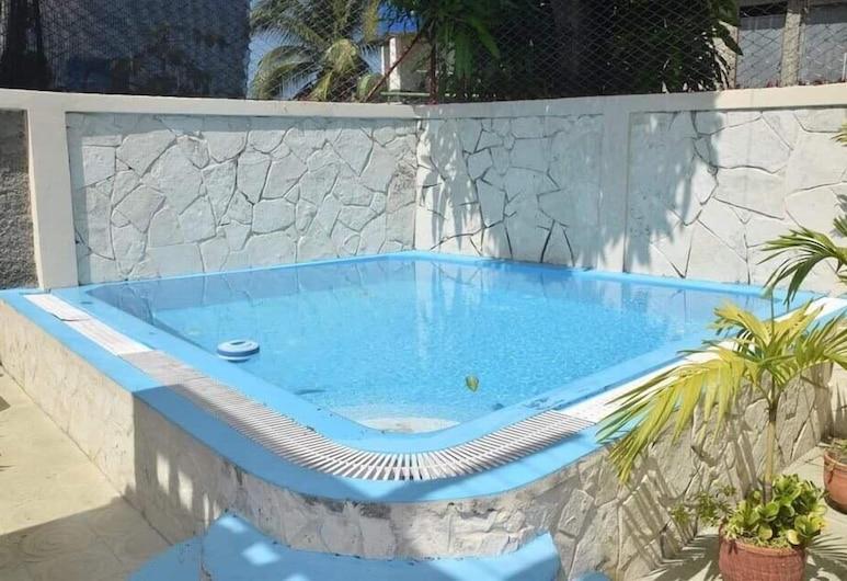 Dianas, Havana, Bazén