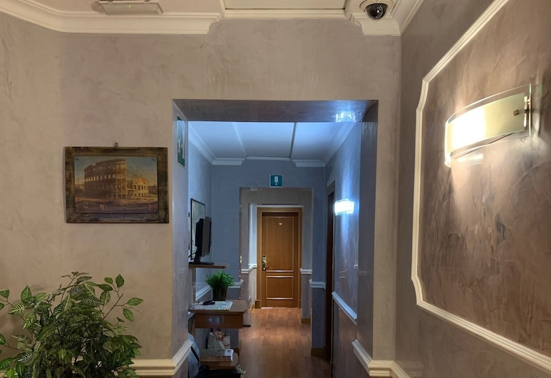 Hotel HI15, Rome, Interior Entrance