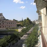 Apartemen Standar - Balkon