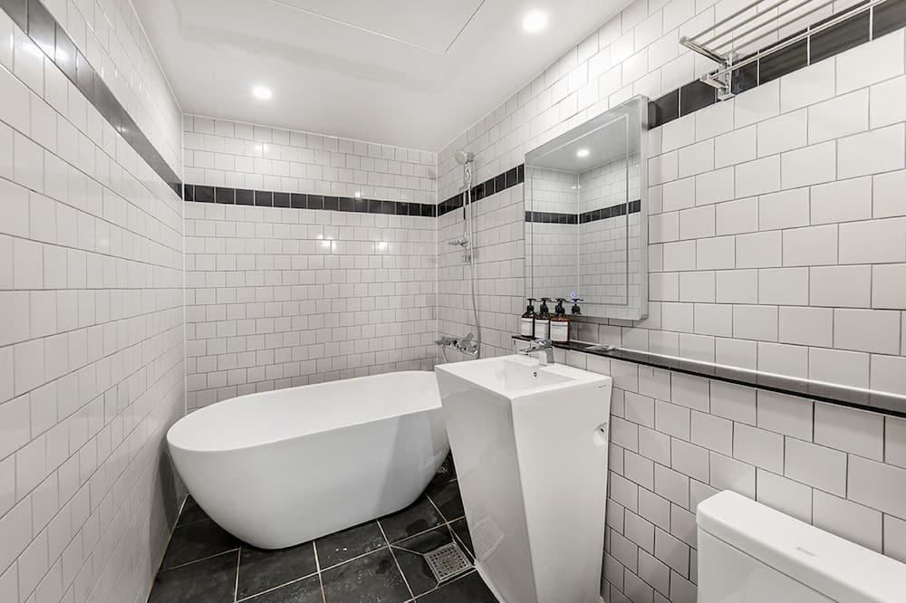 VIP Room (Day use 4 hours) - Bathroom