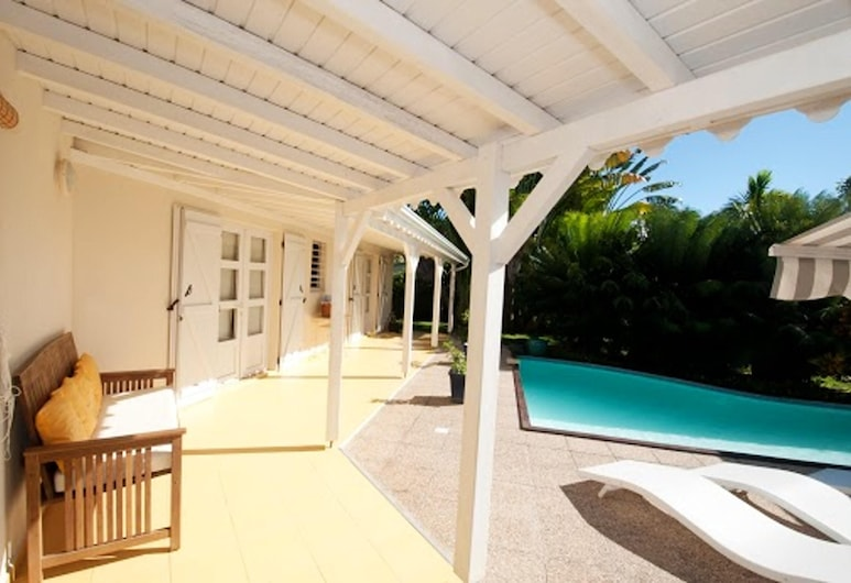 Villa With 3 Bedrooms in Saint-françois, With Private Pool, Enclosed Garden and Wifi, Saint-François, Terrace/Patio