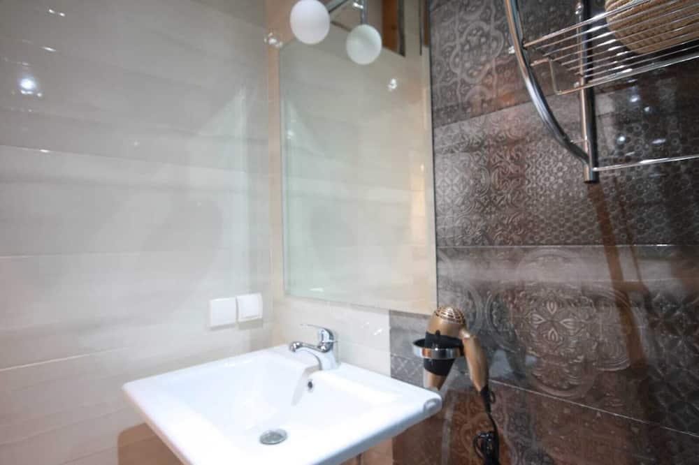 Phòng đôi Grand - Phòng tắm