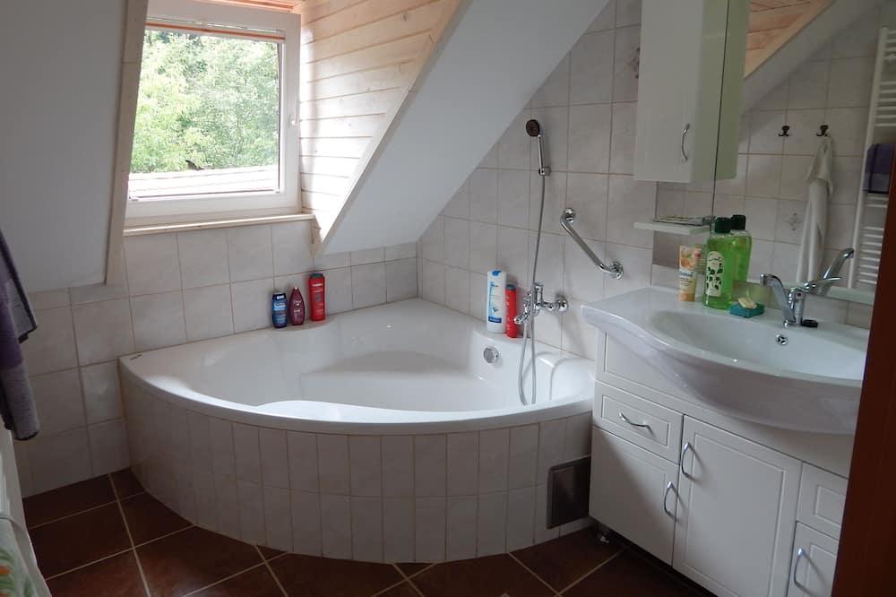 雙床房, 共用浴室 (2) - 浴室