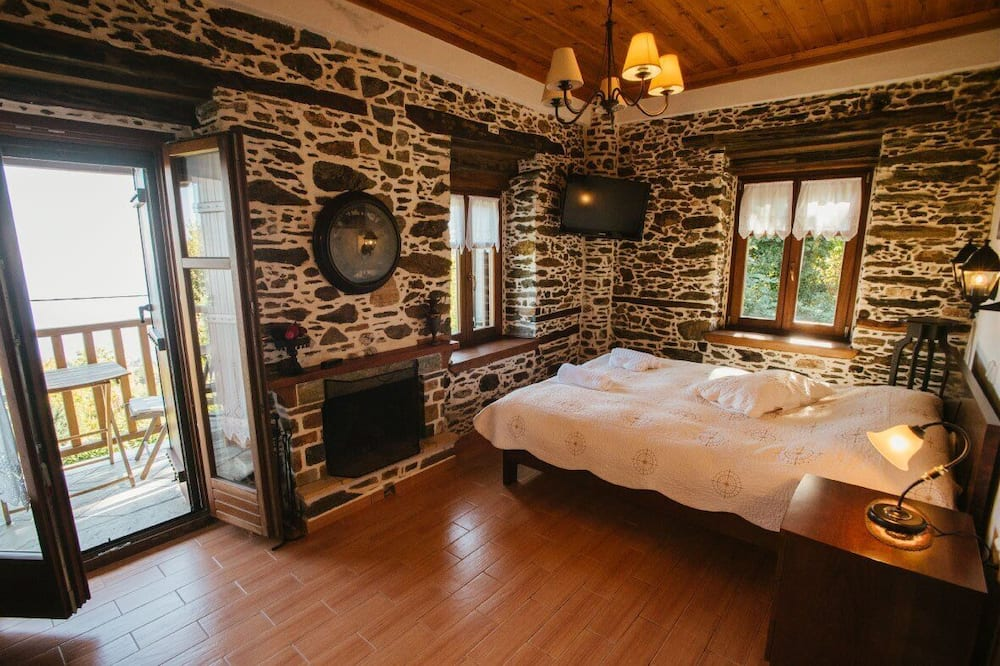 House, 6 Bedrooms - Room