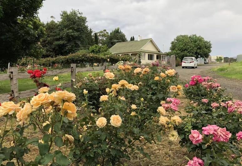 Golden Village Farm, Healesville