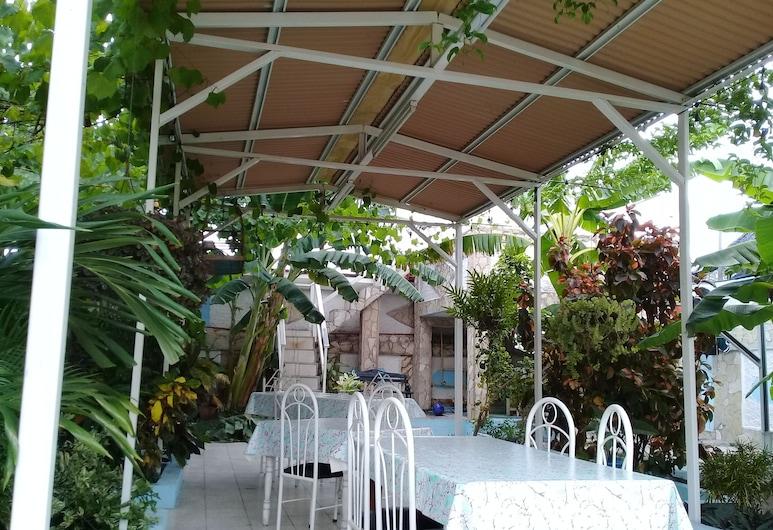 Hostal La Casona de Santa Rita, Kubos Santjagas, Vakarienės lauke