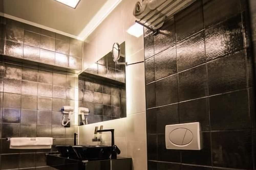 Розкішна студія-люкс, ванна з гідромасажем - Ванна кімната