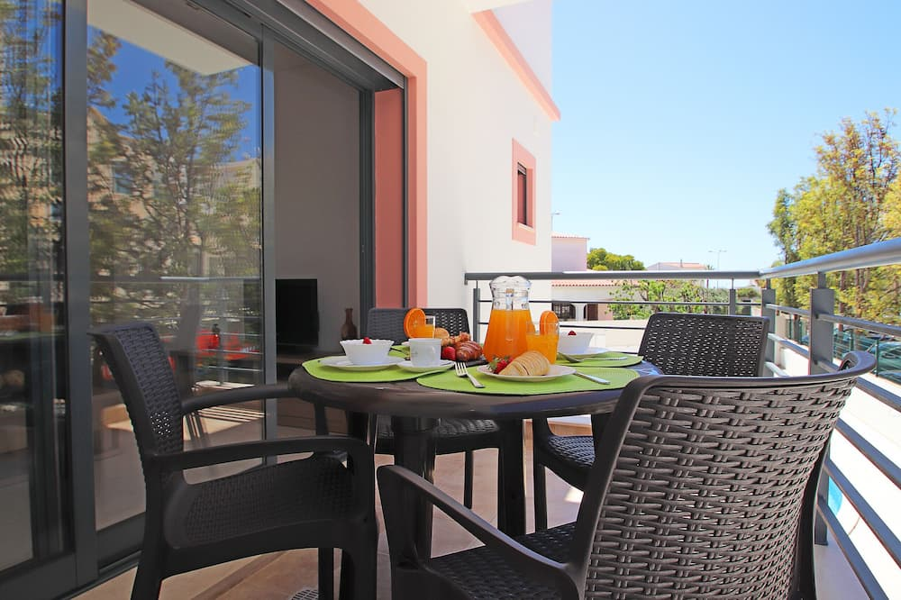Apartment, 2 Bedrooms, Pool Access, Pool View - Balcony