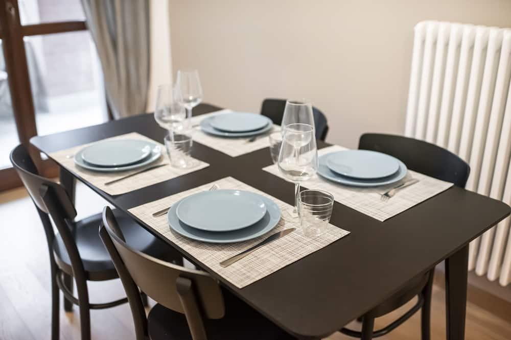 Apartment, 2 Bedrooms (Roddino 18) - In-Room Dining