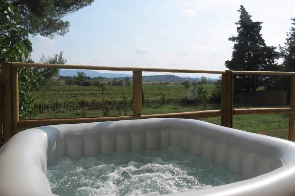 Házikó (Syrah) - Saját pezsgőfürdő