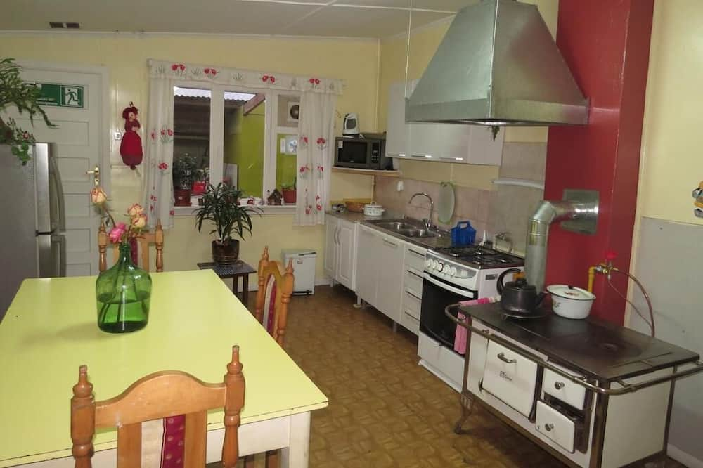 Double or Twin Room, Private Bathroom - Shared kitchen