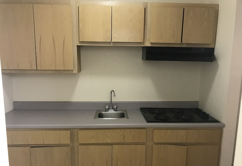 Country Inn Motel , San Antonio, King Sized Room with Kitchenette, In-Room Kitchen