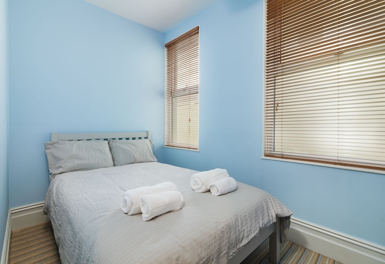 Creg Malin View - an Apartment That Sleeps 4 Guests in 2 Bedrooms, Peel