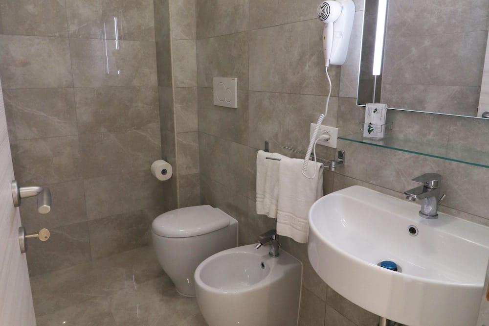 Двухместный номер «Классик», с 1 или 2 кроватями, вид на город - Ванная комната