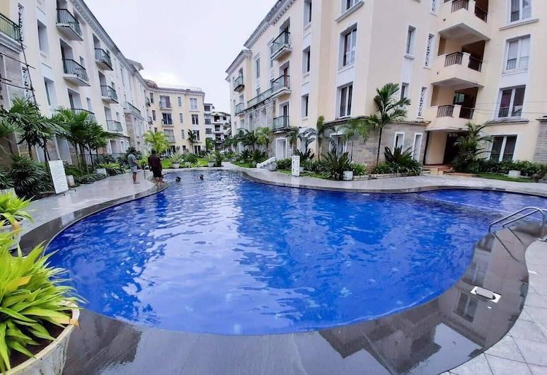 Sea Hawk Suites Baga, Arpora, Pool