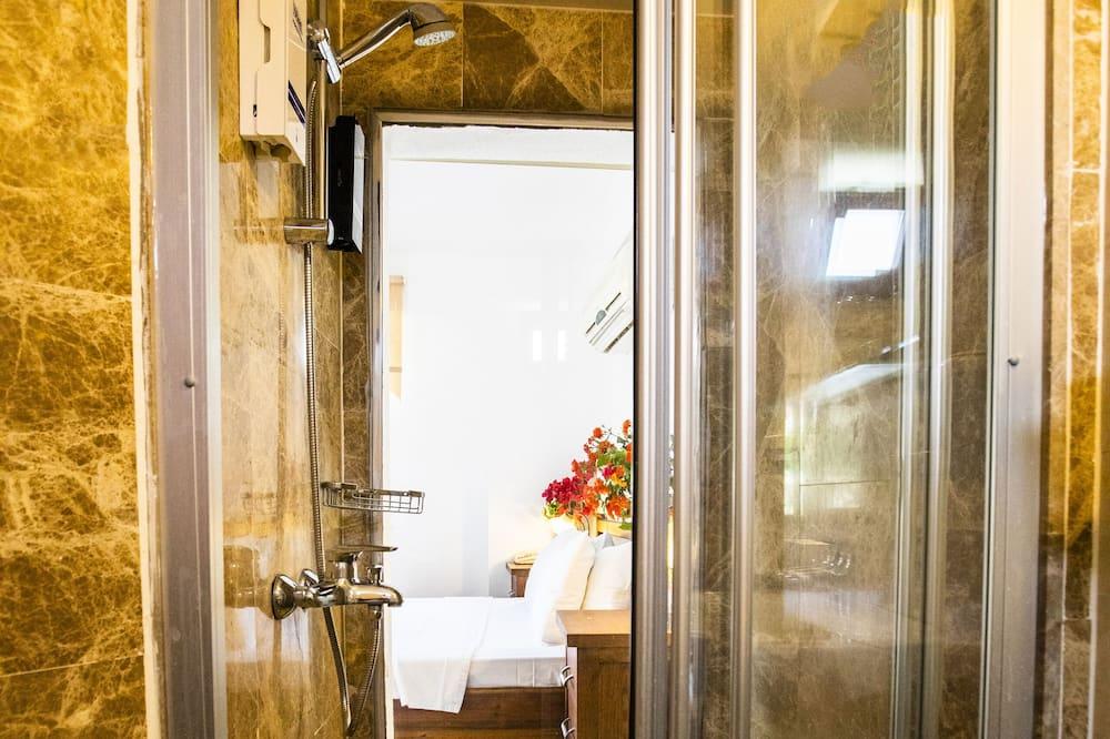 Standard Room - Bathroom Shower