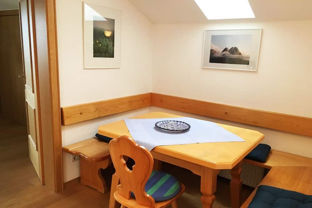 Apartment, 2 Bedrooms, Balcony, Mountain View (Marie-Anne) - In-Room Dining