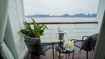 Picture of Paradise Grand Cruise in Ha Long