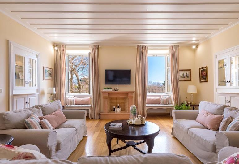 Πολυτελές διαμέρισμα στην Παλιά Πόλη στη Λιστόν, από την Konnect., Κέρκυρα, Luxury Διαμέρισμα, 3 Υπνοδωμάτια, Καθιστικό
