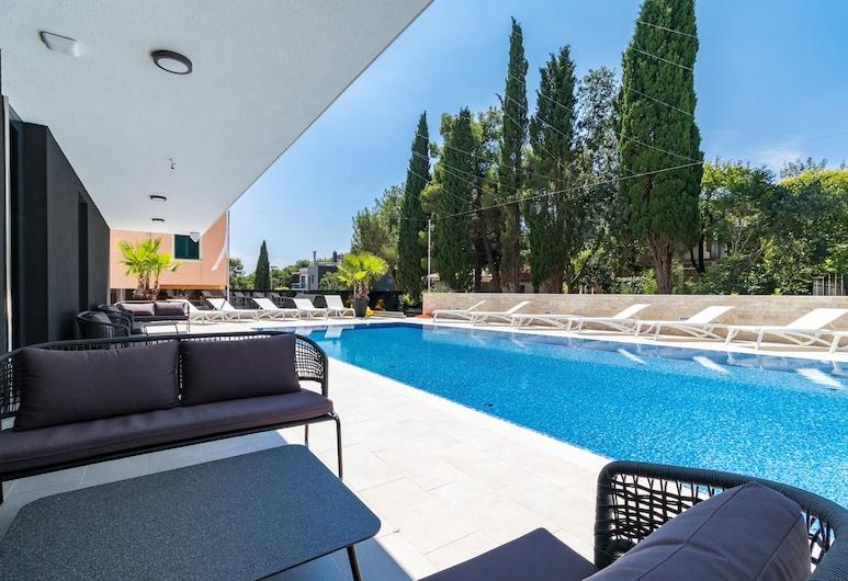 Luxury Apartments Magali, Rovinj, Kolam Terbuka