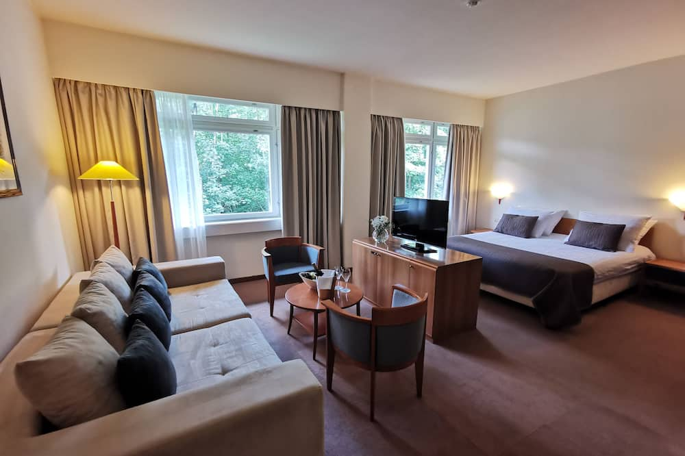 Junior Suite With Extra Bed, Lake Side - סלון