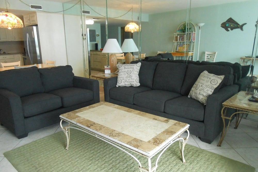 Apartamento em Condomínio Fechado, 3 Quartos - Sala de Estar