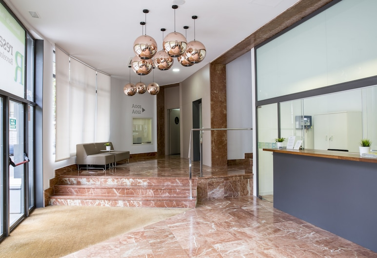 Residencia Universitaria Barcelona Diagonal, Барселона, Фойє