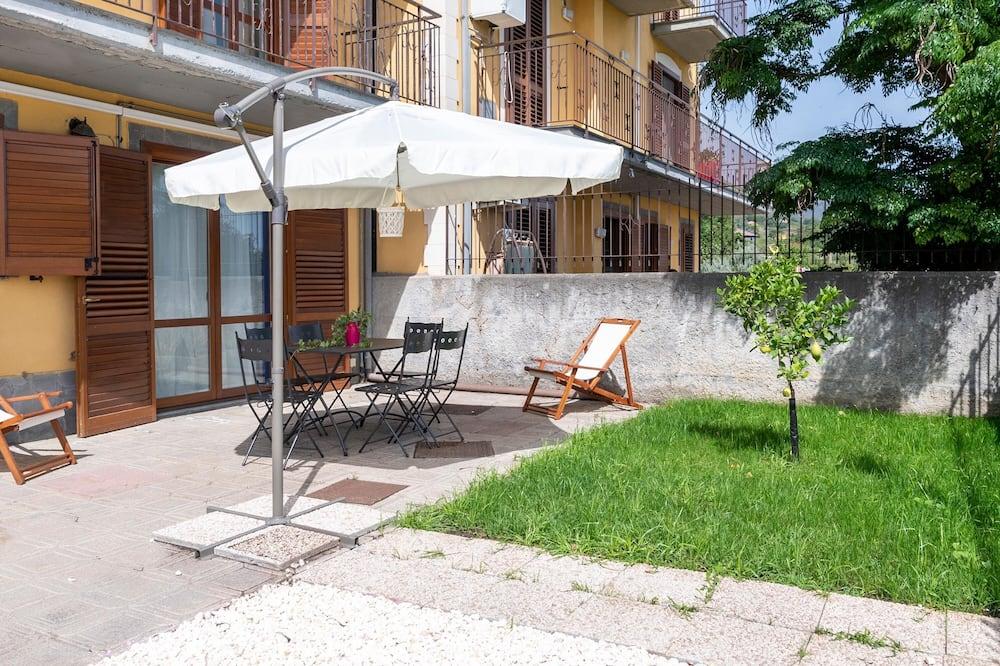Comfort-talo, 4 makuuhuonetta (7 Bedrooms) - Terassi/patio