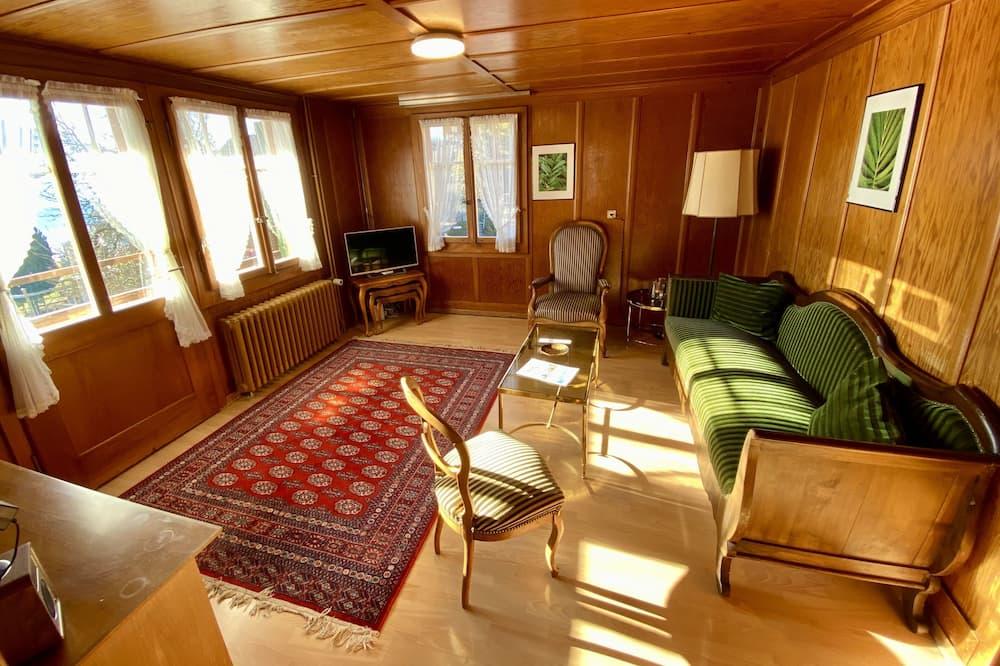 ชาเลท์โรแมนติก, 3 ห้องนอน, ปลอดบุหรี่, วิวทะเลสาบ - พื้นที่นั่งเล่น
