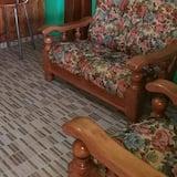 經典四人房 - 客廳